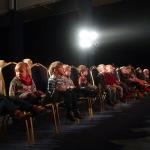 teatr-listopad-kiedy-krola-boli-zab